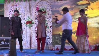 Download Singing for sister /vaibhav jain/phoolon ka taaron ka/sangeet night Video