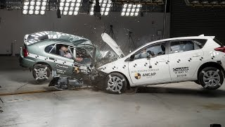 Download 1998 Toyota Corolla vs 2015 Toyota Corolla (Auris) - Crash Test Video
