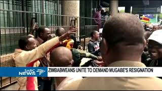 Download Zimbabwe protests reach Mugabe's residence . Video