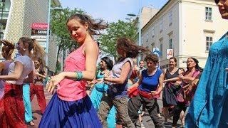 Download 4th Bollywood Flashmob Vienna: Mia's Dance Video