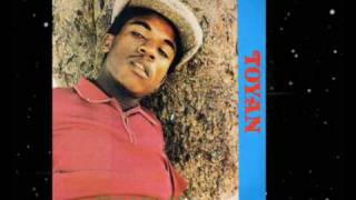 Download Toyan - Dread In Babylon 1982 Video