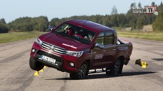 Download The new Toyota Hilux 2016 fails moose test Video