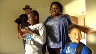 Download After Sleeping in Lobby, Cop Helps Homeless Mom and Kids Find New Home Video
