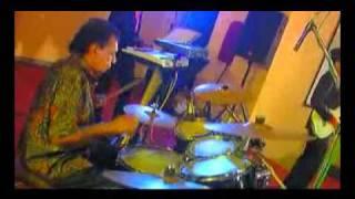 Download Kandasuriduni - Rohan Prasad & Sri Kantha Dassanayake feat. Chimes of The 70's Video