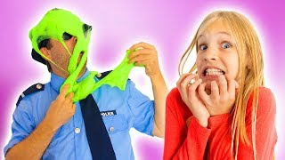 Download Amelia and Avelina slime adventure and a visit to an outdoor playground Video