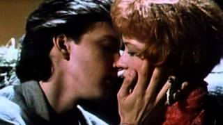 Download Pretty in Pink - Trailer Video