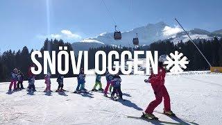 Download Följ med till familjepärlan St. Johann i österrikiska Alperna l SNÖVLOGG 19 Video
