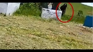 Download Figura sinistra em cemitério assusta população de Pádua Video