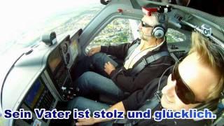Download Dennis überrascht seinen Vater mit seiner Pilotenlizenz - https://flugschule-followme/ Video