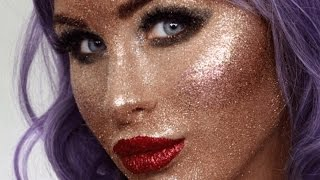 Download A blogger used only glitter to do her makeup. Video
