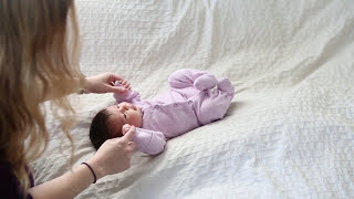 Download How to do a beautiful and safe newborn shoot in your own home by Vail Fucci Video