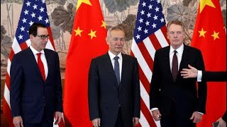 Download 美国或暂缓对中国新一轮加税,G20没协议,中国新增一名强硬派贸易代表;华为获中国首张5G许可;柬埔寨塌楼起诉7人,含5名中国人;环球实报群主获刑2年|明镜快点(20190626-1) Video