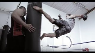 Download CrossFit alternatives Techniques - MMA Training and Workout - performed by Hugo Bariller Video