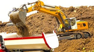 Download RC TRUCK ACTION I HEAVY MUDDY CONSTRUCTION-SITE I MAN I SCANIA I MB ACTROS I LIEBHERR Video