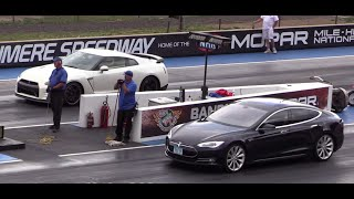 Download 2014 Nissan GTR vs Tesla Model S Drag Race Video