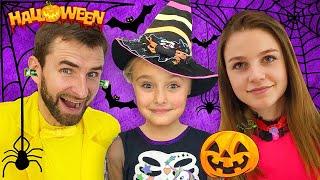 Download Sasha y Halloween Trick or Treat Contest Video