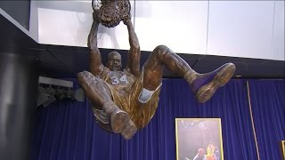 Download Lakers Unveil Shaq Statue at Staples Center Ceremony | March 24, 2017 Video