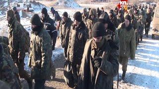 Download (18+) Украинские солдаты под Дебальцево начали массово сдаваться в плен Video