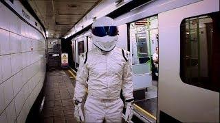 Download Cross London Race! Stig Vs Clarkson Vs Hammond Vs May | Top Gear | Series 10 | BBC Video