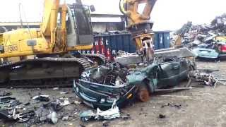 Download Pulling Apart & Recycling Vehicles at Bessler's Video