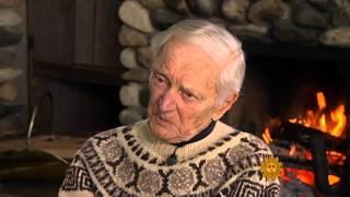 Download 100-year-old skier at peak performance Video