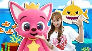 Download [핑크퐁X헤이지니] 핑크퐁과 상어가족 만나러 어린이 뮤지컬을 가다!! - 지니 Video