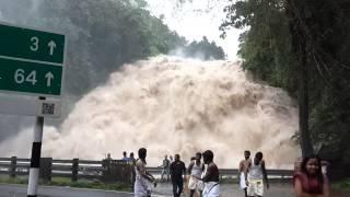 Download Chappa Waterfall, b/w Athirapally & Vazachal Waterfall Video