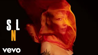 Download Halsey - Eastside (Live From Saturday Night Live) Video