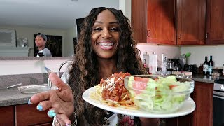 Download Homemade Spaghetti, Salad and Garlic Cheese Texas Toast Vlog Video
