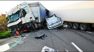 Download THE ULTIMATE TRUCK CRASH COMPILATION WITN NO LIGHT/SMALL TRUCKS | 18+ Video