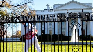 Download Fence jumper breaches White House grounds with Obamas inside Video