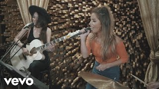 Download Jessie James Decker - Who's Lovin You (Live From Blackbird Studios) Video
