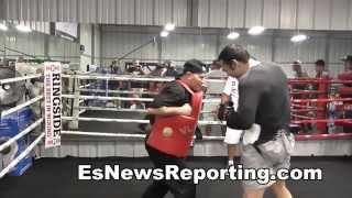 Download Julio Cesar Chavez Jr Drops Seckbach With Monster Bodyshot - EsNews Boxing Video