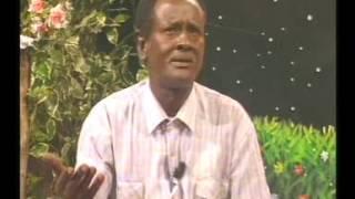 Download Hobol iyo habeenkii - Aadan Faarax Samatar Video