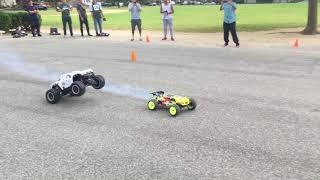 Download 8S TRAXXAS X-MAX vs TLR NITRO 4.0 8T /TNS Modified 28-8, NOVA Header 41032/9886 Pipe Video