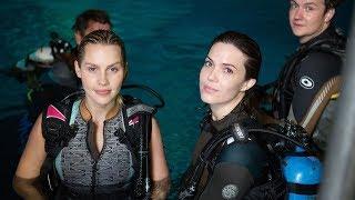 Download '47 Meters Down' Filming Underwater Interview Video