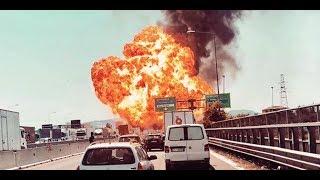 Download Italien: LKW explodiert auf Autobahn Video