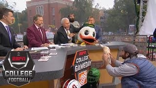 Download Lee Corso picks Week 4: Stanford Cardinal vs Oregon Ducks | College GameDay | ESPN Video