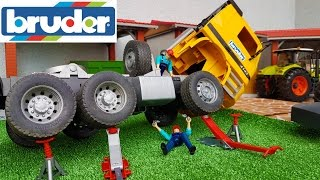 Download BRUDER toys RC Truck crash! Video