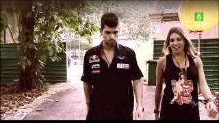 Download Jaime Alguersuari y Nira Juanco en el circuito de Singapur Video