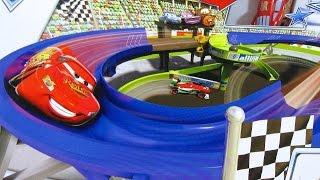 Download Disney Pixar Cars 2 Superpista de Carreras Stunt Racers Double Decker Speedway - Juguetes de Disney Video