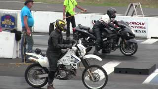Download The difference between Dirt bike and Street bike -acceleration,speed,drag race Video