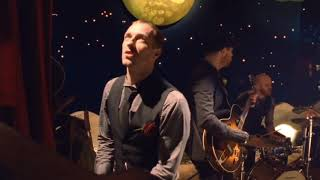 Download Coldplay - Christmas Lights Video