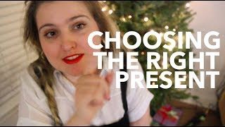 Download Choosing the Right Present | Vlogmas Day 14 Video
