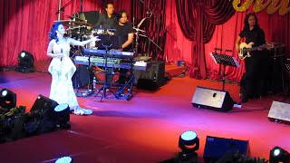 Download Krisdayanti with Dato' M Daud Kilau Video