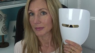 Download IlluMask Anti-Acne Light Therapy Mask Review Video
