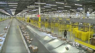 Download Amazon Fulfillment Center In Tracy Helping Fill Cyber Monday Orders Video