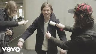 Download Cage The Elephant - Cry Baby Video