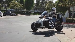 Download Police-Edition Can-Am Spyder! Video