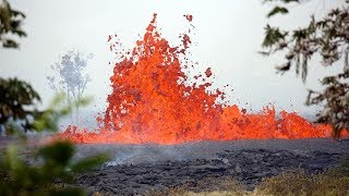 Download Kilauea volcano lava cuts off key escape route in Hawaii, man injured Video
